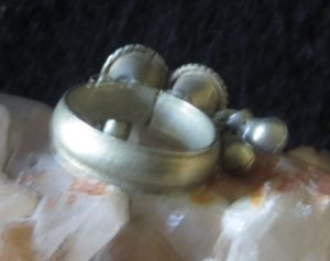 familiar haunted rings